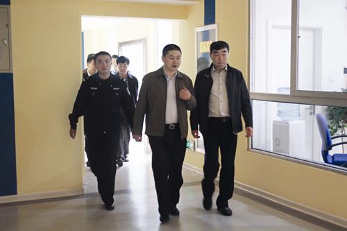 10 月19 日,四方区公安局副局长方建辉一行莅临橡胶谷